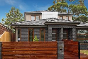 Entry Design Pillar Homes